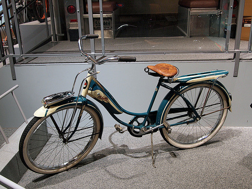 1947 Columbia Girl's Bicycle (by Marty4650)