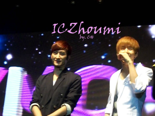 Korean Idols Music Concert Hosted in Indonesia 7 credit ICZhoumi photo by CH TAKE OUT FULL CREDIT :)