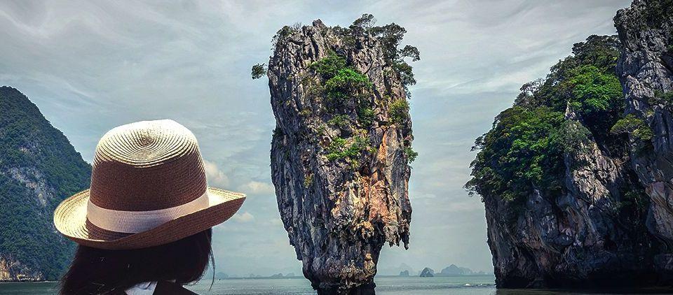 Vietnam Bahia de Halong: Viajes de Aventura, Viajes Alternativos, Turismo Responsable, Mochilero, Viajar en Grupo, Viajar Sola. 3000KM