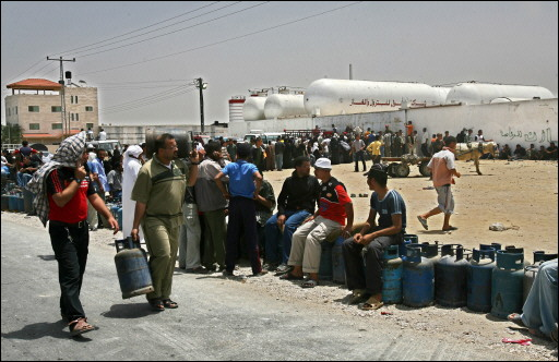 Hundreds of Palestinians are on the local stations to provide with gas, which ran out in Gaza because of Israeli siege.