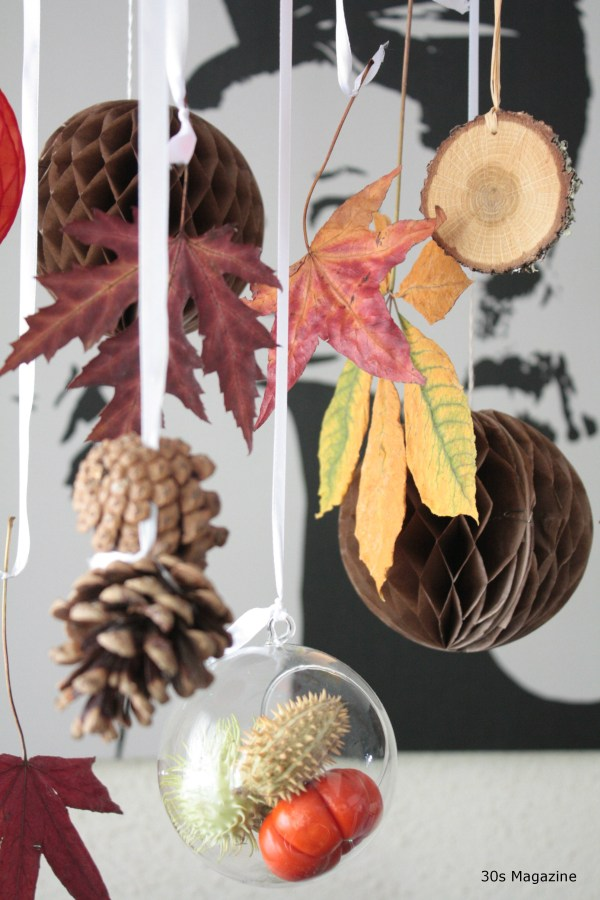 decorating with pressed leafs