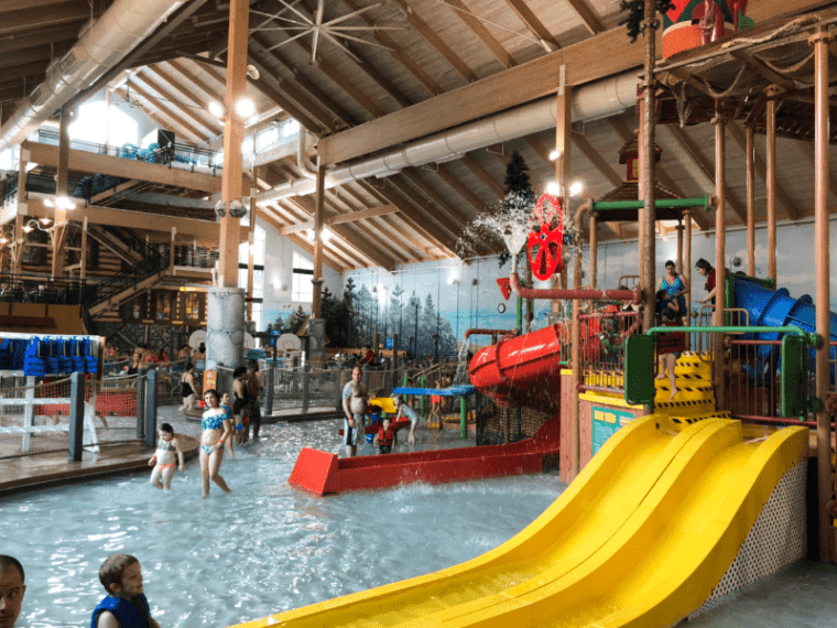 Great Wolf Lodge New England Water Park