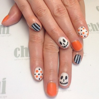 by @julie_nailbar #halloween #matte #nailart #notd  #CHInailbar #KInailbar @CHInailbar @KInailbar