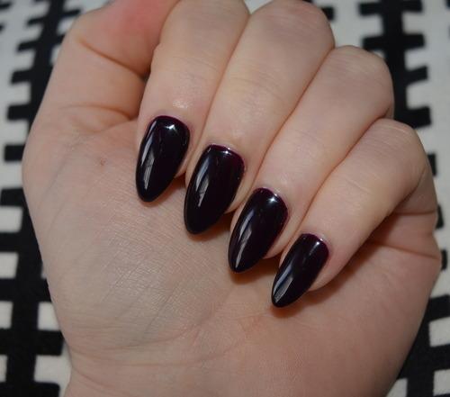 Gelish Polish Bella's Vampire