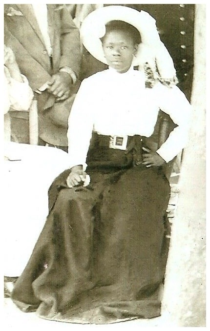 Daughter and Wife of President Antoine Simon.  Haiti c.1910</p><p>Vanésila Simon(L) & Uranie Adélaïde Mentor(R)