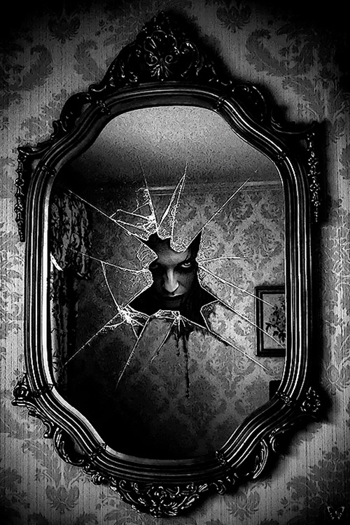 whitesoulblackheart:</p> <p>Behind your secretsbyNessa022</p> <p>WHERE IS THE MIRROR?<br /> THE MIRROR THAT I'D WALKED THROUGH.<br /> THE MIRROR THAT BROUGHT ME TO THIS AWFUL HOUSE.<br /> WAIT!<br /> I CAN SEE IT!<br /> BUT THERE'S A FACE IN IT.<br /> THE FACE IS WATCHING ME.<br /> WHAT SHOULD I DO?<br /> HELP!!!!<br /> Come visit End House at Oasis and see what happens.<br /> The Dead Game by Susanne Leist</p> <p>