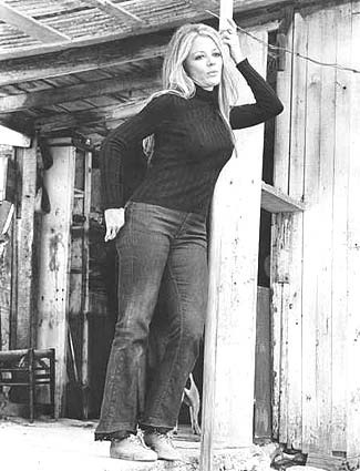 Sheree North in THE OUTFIT