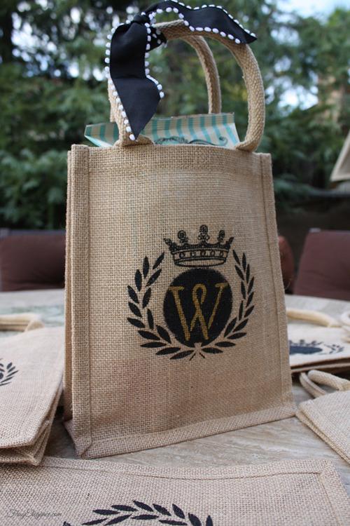 Stencil Monogram Burlap Gift Bags | FrugElegance | www.frugelegance.com
