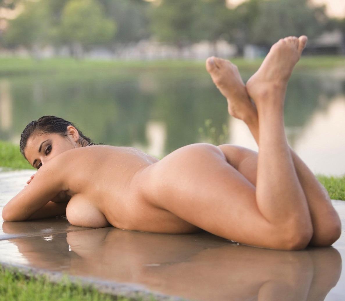 Nude girls masturbation