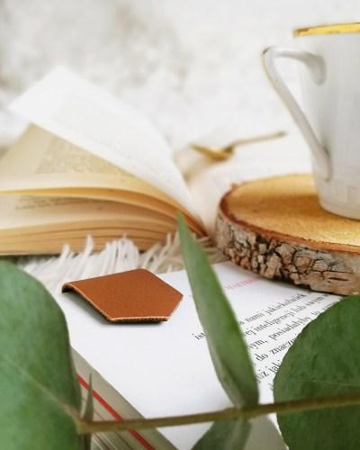 Magnetyczna zakładka do książki diy - gadżet książkowy