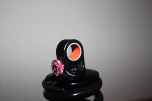 """DU Bishung (Buje) en el """"ojo"""" del shock (amortiguador)"""