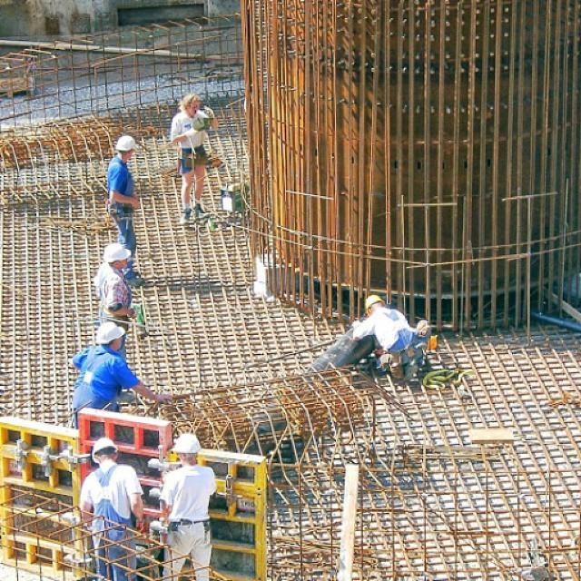 juliansafety:</p> <p>Es necesario siempre unas medidas de seguridad y salud en las obras de construccion enlace https://youtu.be/_kEz-ztQuPM para @ segurpricat #segurpricat #seguridad (en segurpricat consulting)</p> <p>Es necesario siempre unas medidas de seguridad y salud en las obras de construccion enlacehttps://youtu.be/_kEz-ztQuPMpara @ segurpricat #segurpricat #seguridad (en segurpricat consulting)