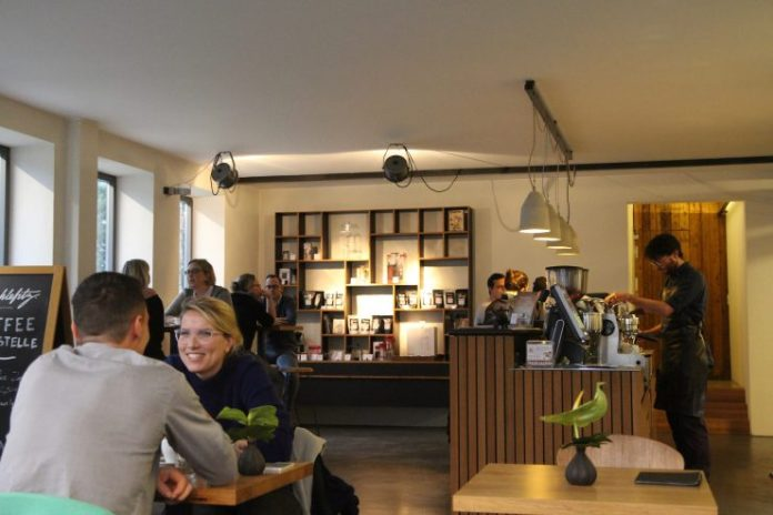 vits der kaffee standl 20 café blá bald neu man versus machine mahlefitz munich germany coffee cafe guide sprudge