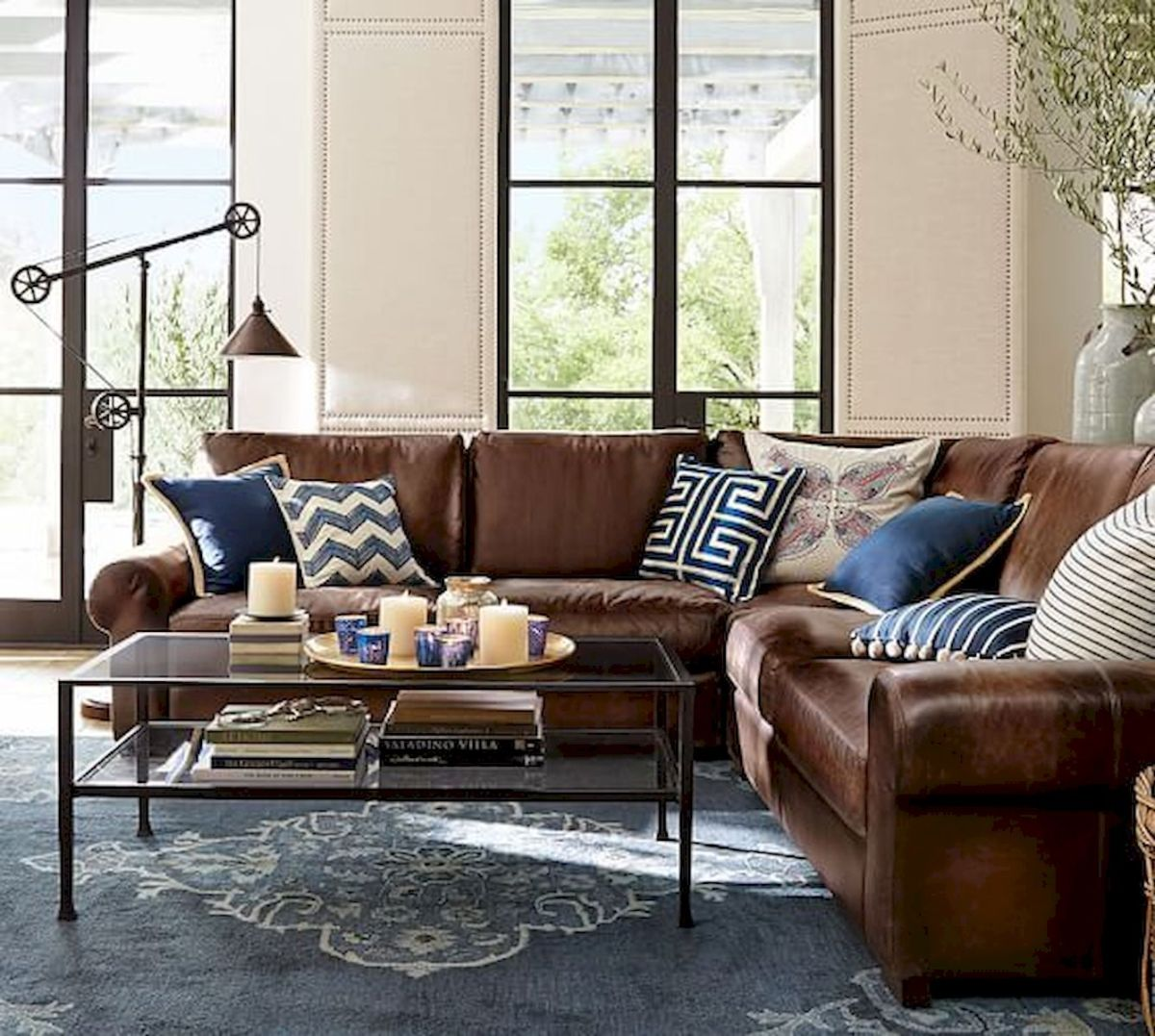 33 Best Industrial Living Room Ideas (28)
