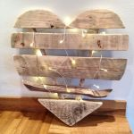 33 Best DIY Wood Hearts Ideas (27)