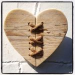 33 Best DIY Wood Hearts Ideas (30)