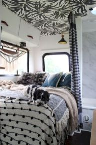 33 of the Best RV Bedroom Ideas (24)