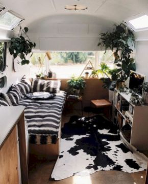 33 of the Best RV Bedroom Ideas (30)