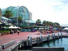 Darling_harbour_sydney_showing_harbourside