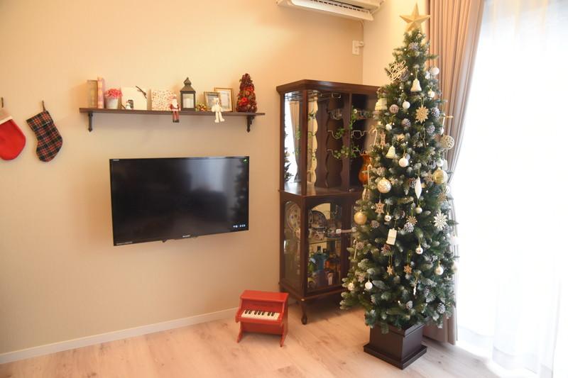 17畳LDKに210cmのクリスマスツリー