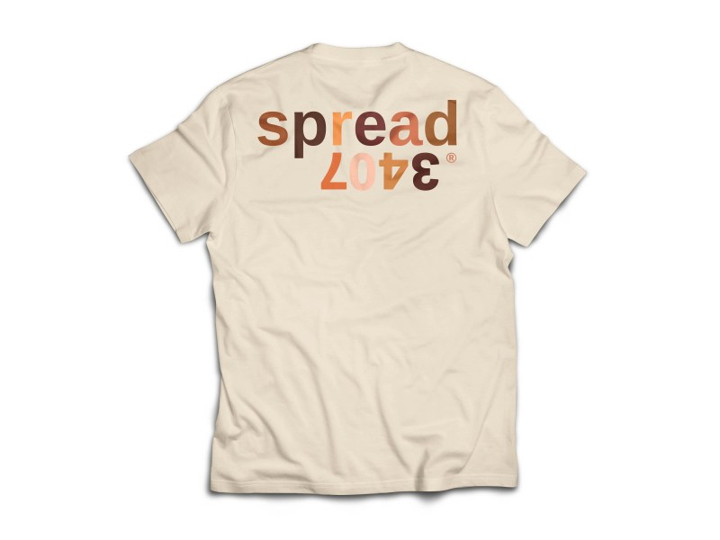Spread love skins tee