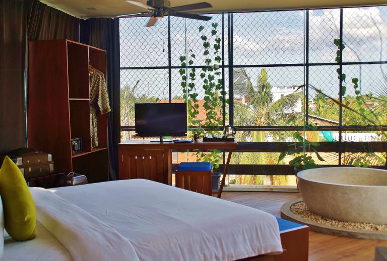 「カンボジア シェムリアップ ホテル部屋」の画像検索結果