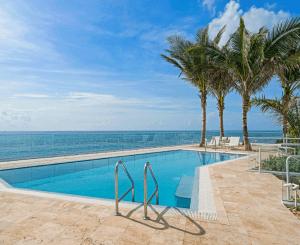 Swimming Pool at 3550 South Ocean Condominiums