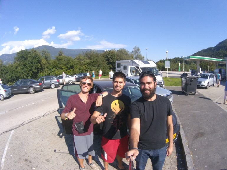 A quick photo with Yannick and Adrien before our 172 km drive