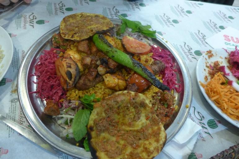 Sur kebap, the colorful house mixed-kebap plate