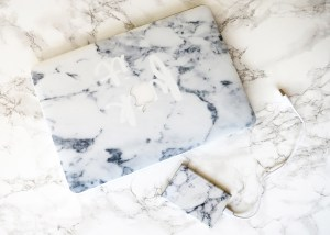 BLOG   Marbleize your phone/laptop with Caseapp + GIVEAWAY