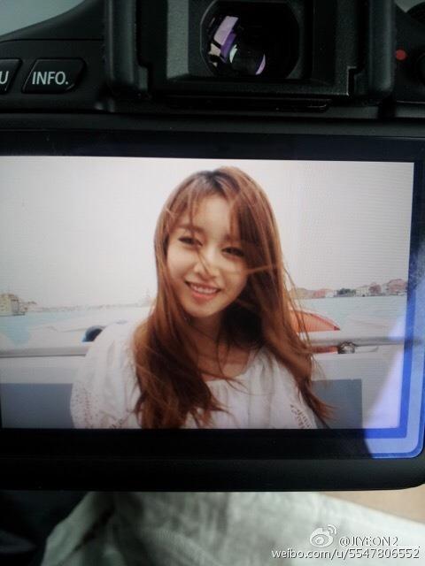 Jiyeon2____: 我想你们了,再等等我,我们中国见!我在为你们很努力的学中文!大家好