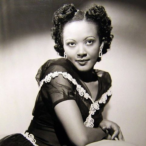 """aigeoldsoul:  Happy Birthday, Theresa Harris! That's right, this Hollywood actress was born on New Year's Eve (in Houston, TX). Visit my blog (link in bio) at 3:00PM (EST) to read """"10 Facts About Theresa Harris""""! #TheresaHarris #OldHollywood #ClassicHollywood #BlackHistory #BlackHerstory #NewYearsEve"""