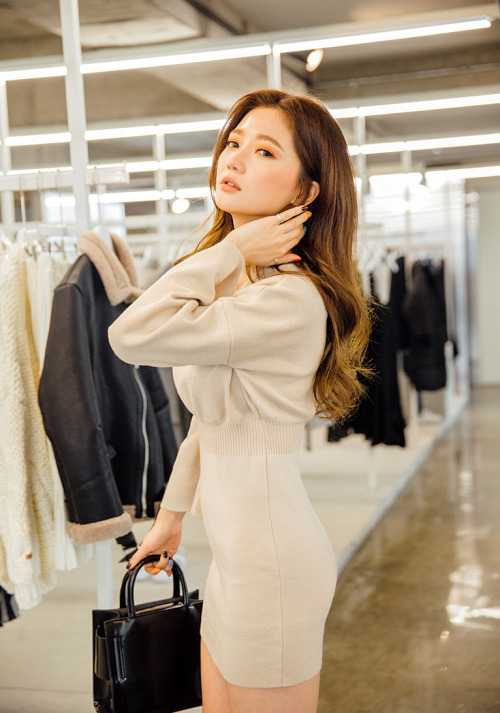 girl and fashion,Korean Girls,Korean,Model,Dream Girls,Korean Model,Korean Girl,korea, beautiful,Pop idol,Sung Kyung
