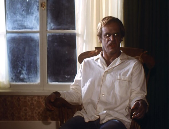 Geoffrey Lewis gets creepy in SALEM'S LOT.