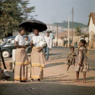 shopcoletteclayton:  Vintage street style…Ibadan, Nigeria. 1960