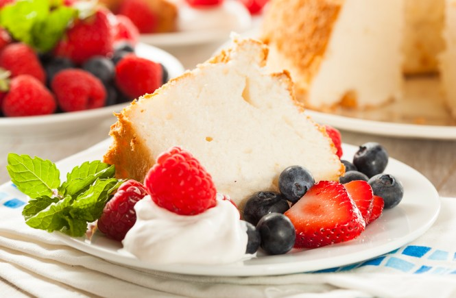 RECIPE-Heavenly-Strawberry-Cream-Angel-Food-Cake-Bellevue-Washington