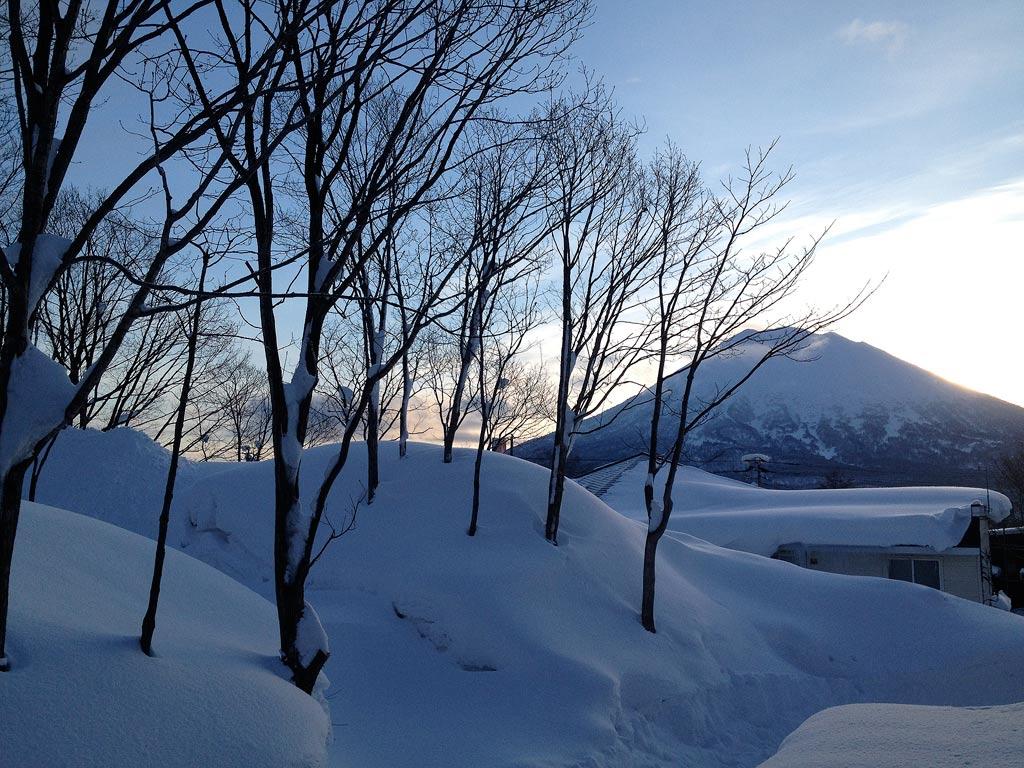 Hirafu Village 7:40am, 28 January 2013