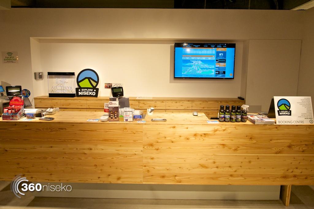 iGate Niseko's Explore Niseko desk