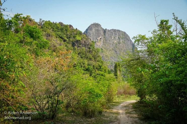 Walk to Tham Pa Seuam Cave