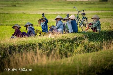 Friendly farmers in Hoi An