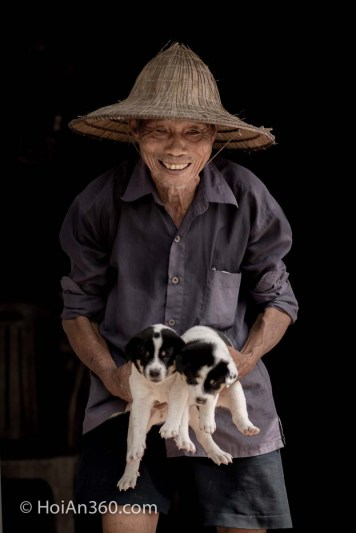 Tan & his puppies - Countryside & Culture Photo Tour