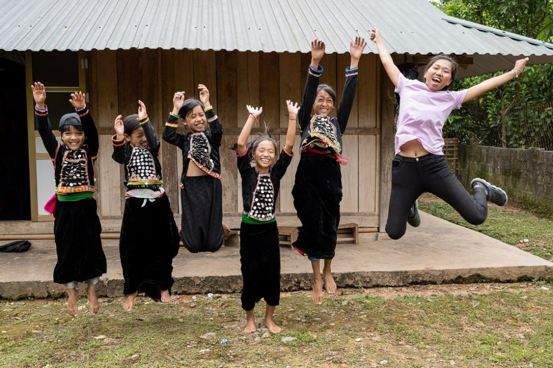 SiLa Kids jumping with Trinh