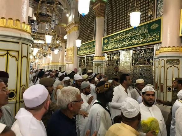 جولة افتراضية بانوراما ٣٦٠ درجة في المسجد النبوي بجانب قبر الرسول محمد عليه أفضل الصلاة والتسليم