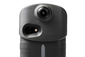 Ion360 U is a 360 camera and smartphone charger case