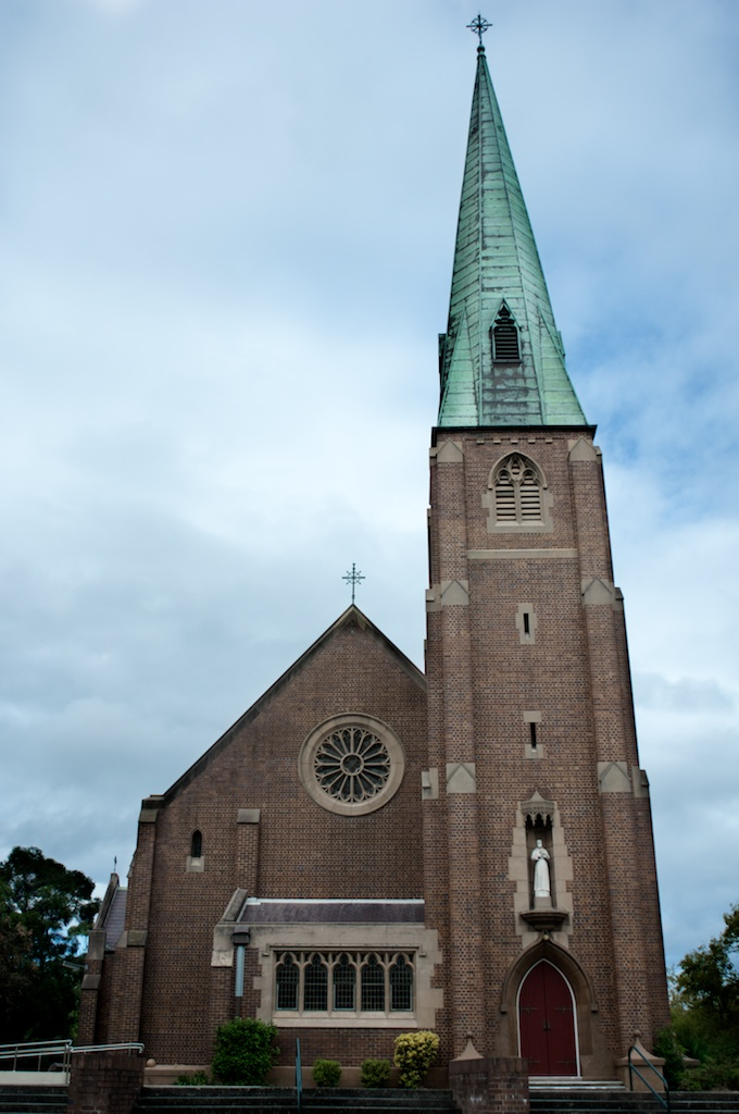 025: Church with green and red