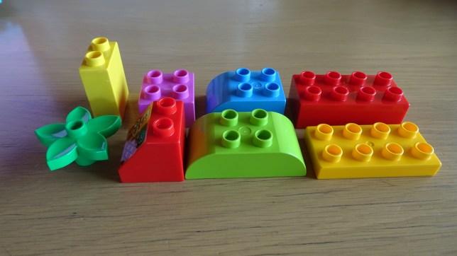 レゴで形当てゲーム(2)