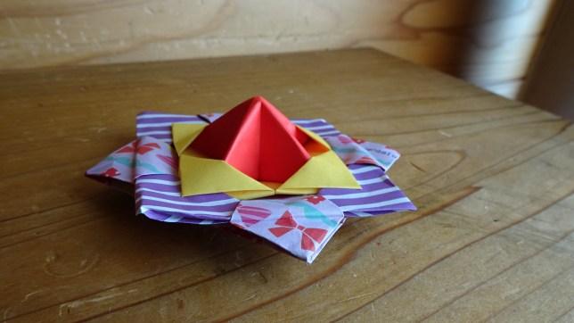 折り紙で作ったこま(2)