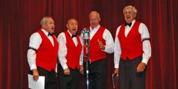 1940's Radio Review - Crimson Crooners