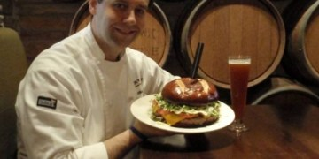 Lucky Monk Burger, Pizza and Beer Company in South Barrington