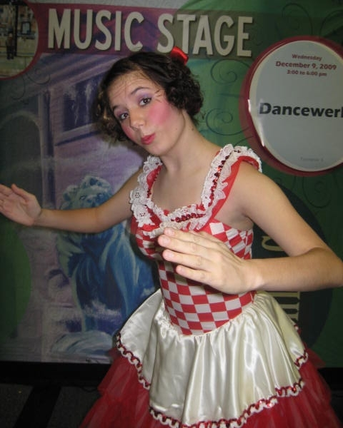 Ice House Mall in Barrington Mini Nutcracker Performance